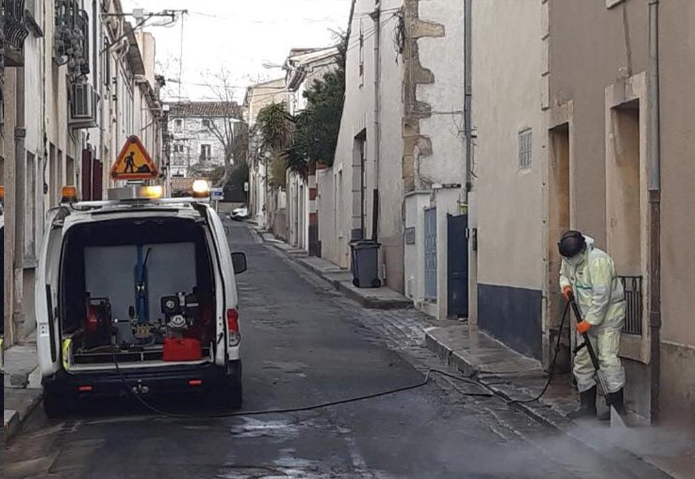 LE SERVICE PROPRETÉ DE L'AGGLO EN ACTION DANS BESSAN